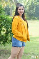 Mannara Chopra at Hi 5 Shooting Coverage Press Meet (27)