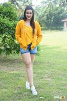 Mannara Chopra at Hi 5 Shooting Coverage Press Meet (31)