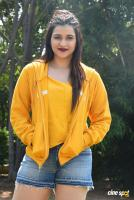 Mannara Chopra at Hi 5 Shooting Coverage Press Meet (39)