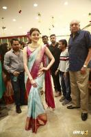 Kajal Agarwal Launches Vidhatri Shopping Mall (1)