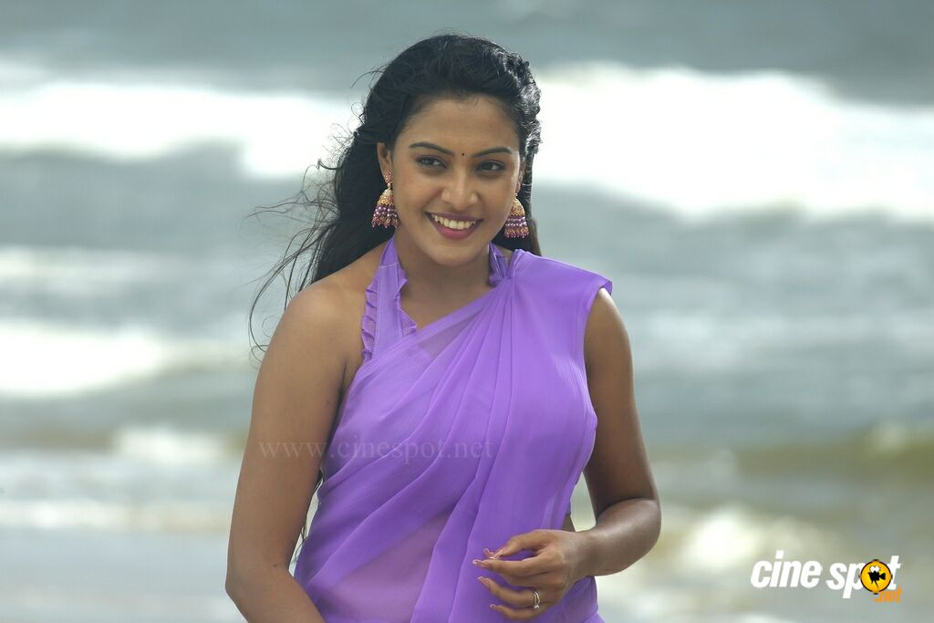 Call Taxi Tamil Movie Stills (4)