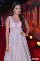 Nidhhi Agerwal at Zee Telugu Cine Awards 2020 Red Carpet (3)
