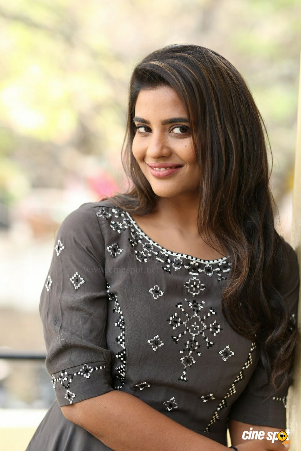 World Famous Lover Actress Aishwarya Rajesh Interview Photos (32)