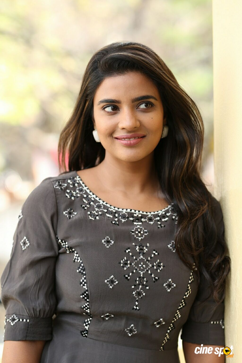World Famous Lover Actress Aishwarya Rajesh Interview Photos (34)