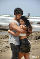 Romantic Movie New Stills (2)