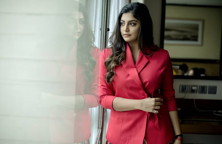 Manjima Mohan actress photos (18)