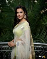 Actress Priya Anand photos (7)