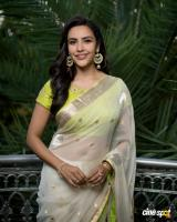 Actress Priya Anand photos (9)