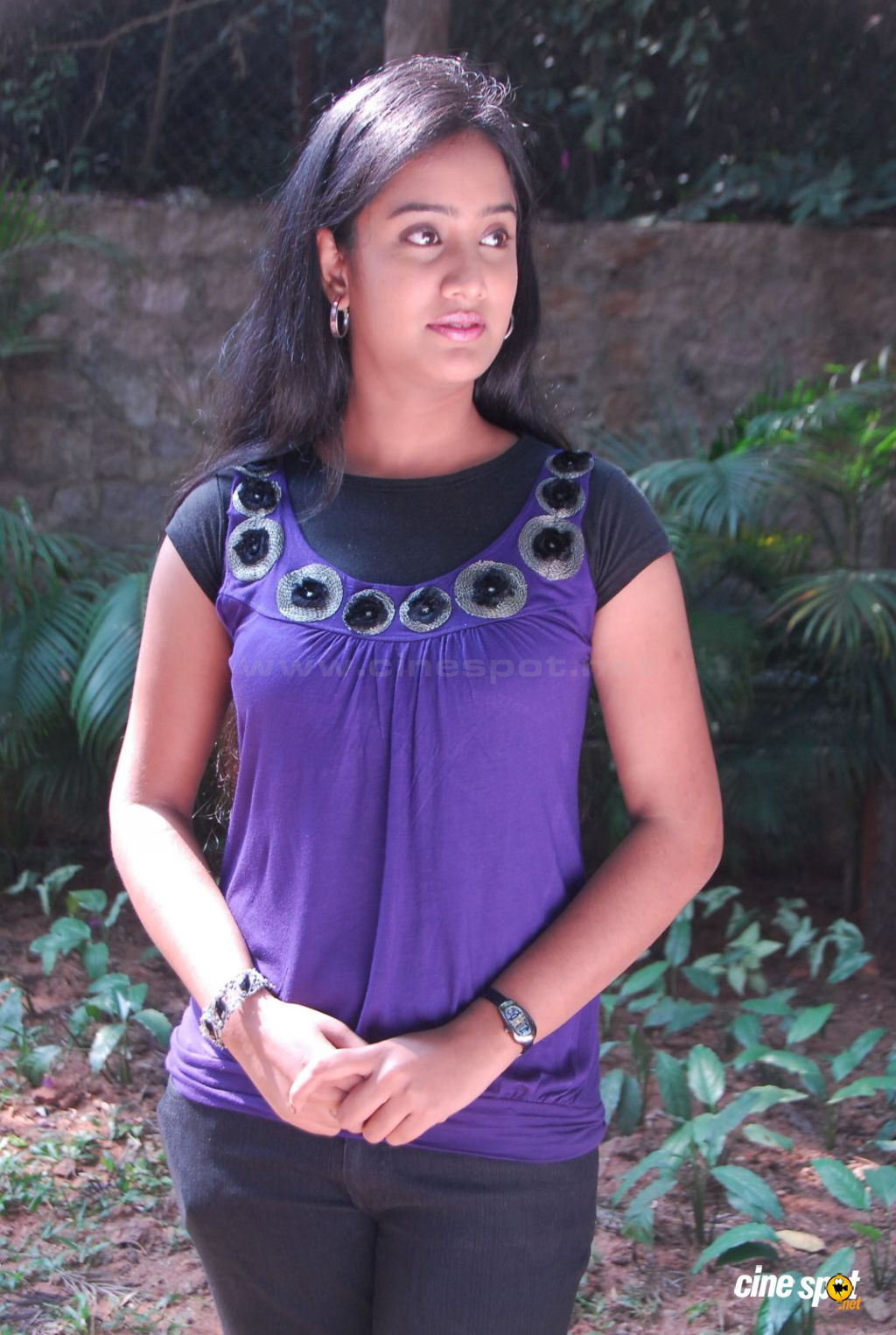Sravani actress photos (1)