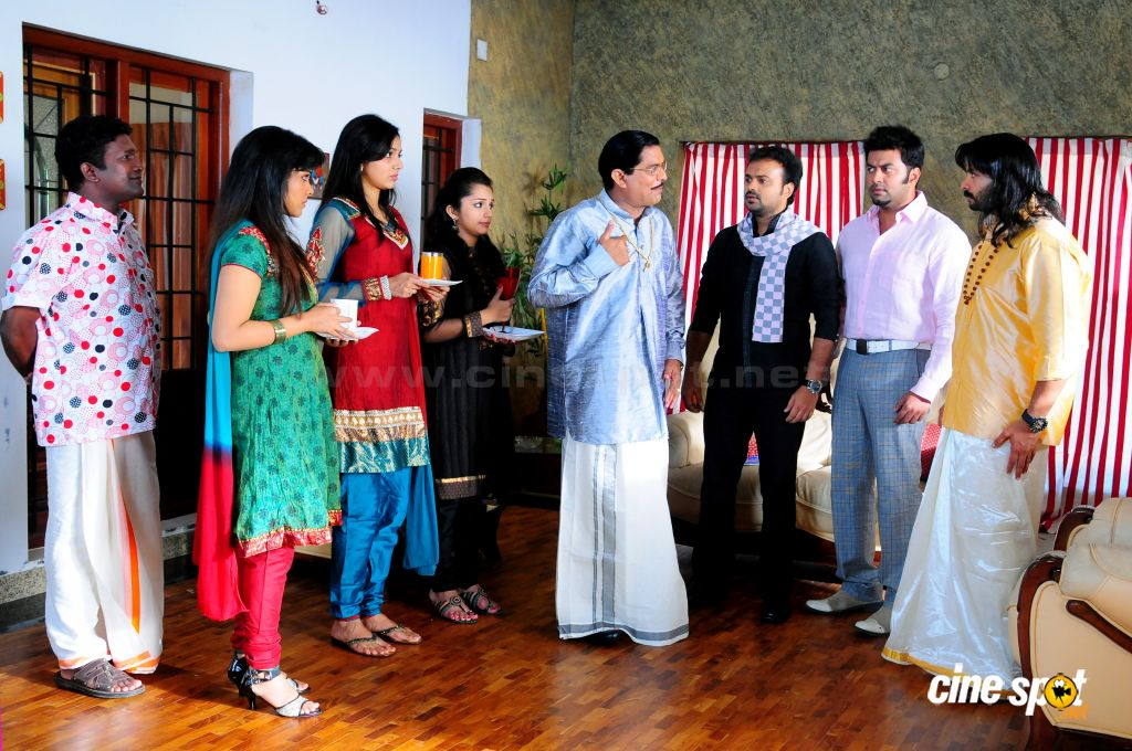 Three Kings Malayalam film photos (16)