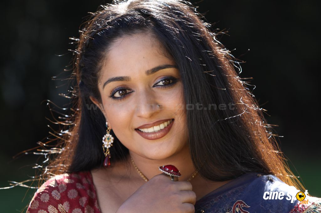 Kavya Madhavan Actress Photo Gallery: Kavya Madhavan Actress New Photos (20
