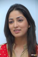 Yami Gautam  actress photos (10)