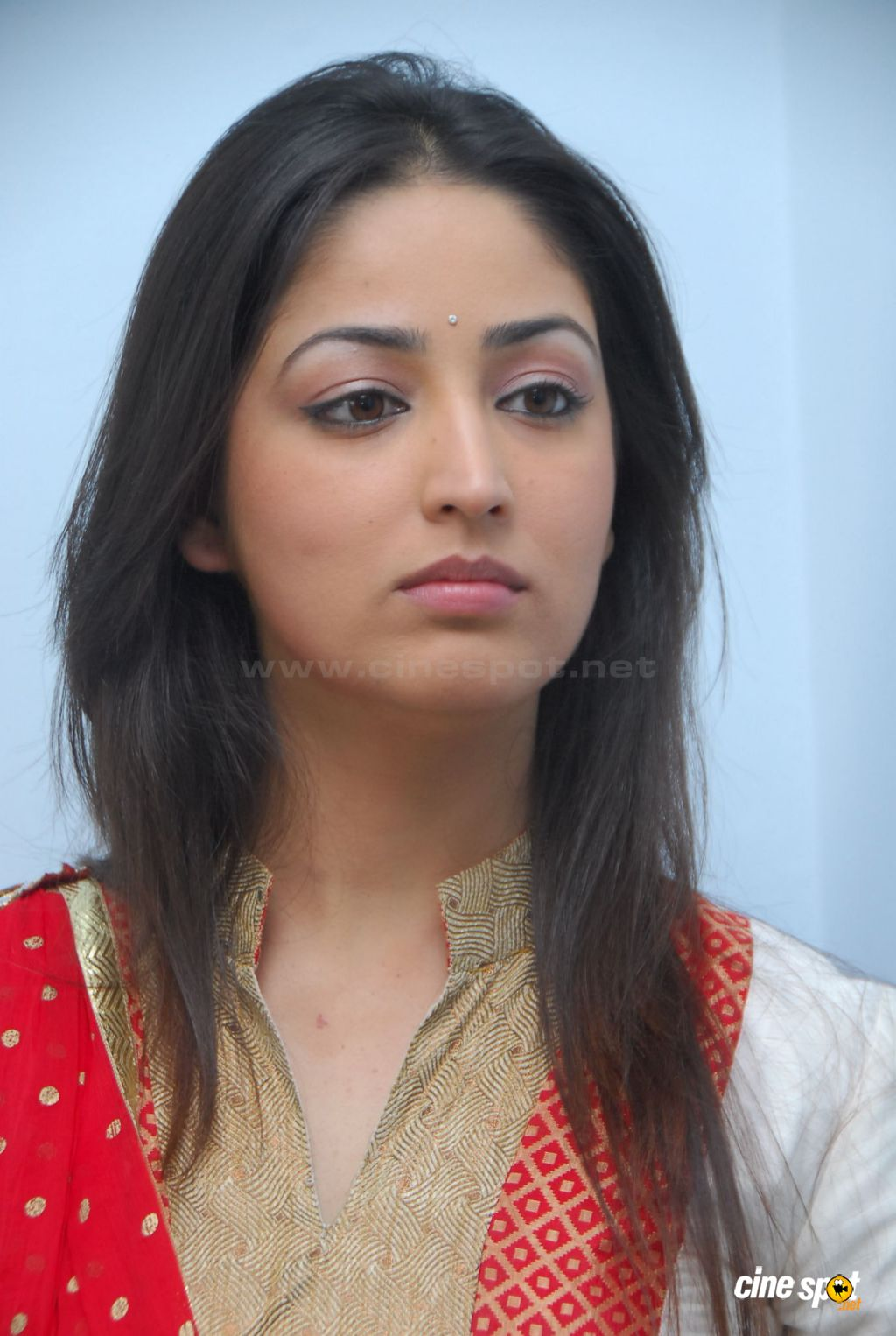 Yami Gautam  actress photos (11)