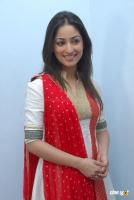 Yami Gautam  actress photos (13)