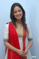 Yami Gautam  actress photos (15)