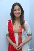 Yami Gautam  actress photos (16)