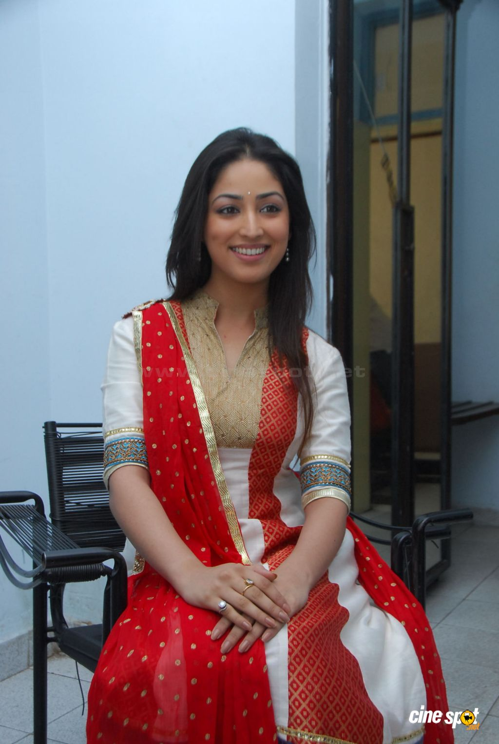 Yami Gautam  actress photos (18)