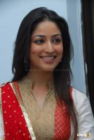 Yami Gautam  actress photos (19)