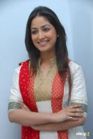 Yami Gautam  actress photos (2)