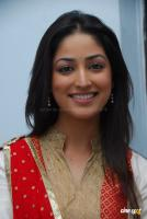 Yami Gautam  actress photos (20)