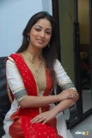 Yami Gautam  actress photos (24)