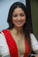 Yami Gautam  actress photos (26)
