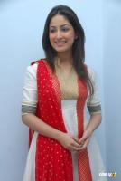 Yami Gautam  actress photos (7)