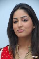 Yami Gautam  actress photos (9)
