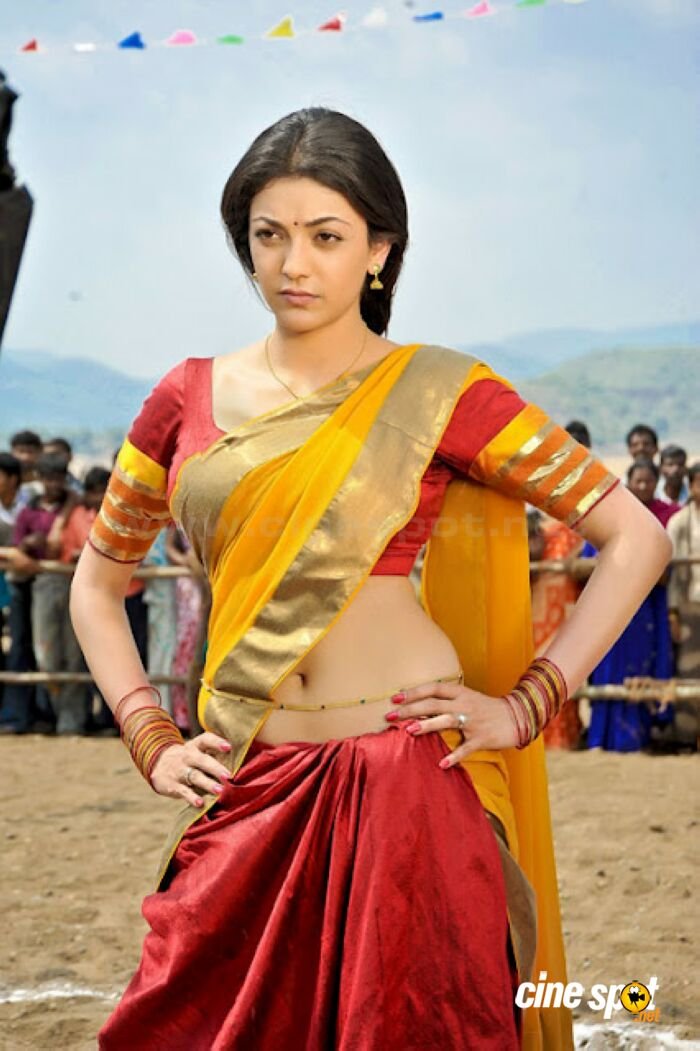 Kajal navel photos (1)
