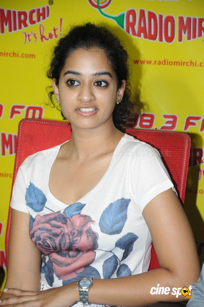 Nanditha telugu actress stills (5)