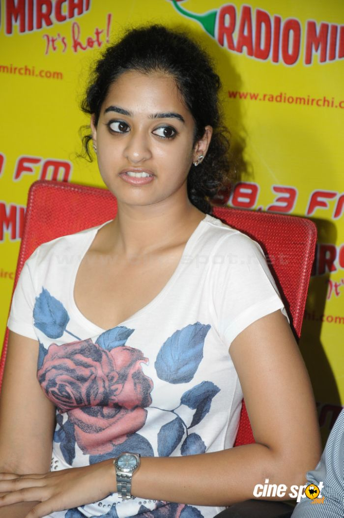 Nanditha telugu actress stills (6)