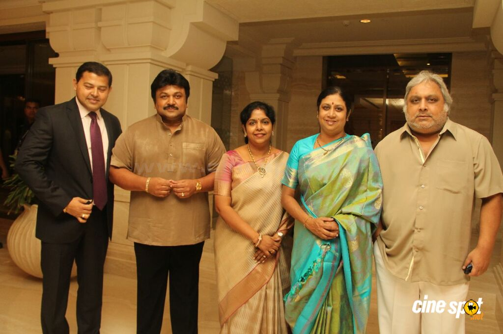 Celebs at Prasanna -Sneha Wedding Reception (80)