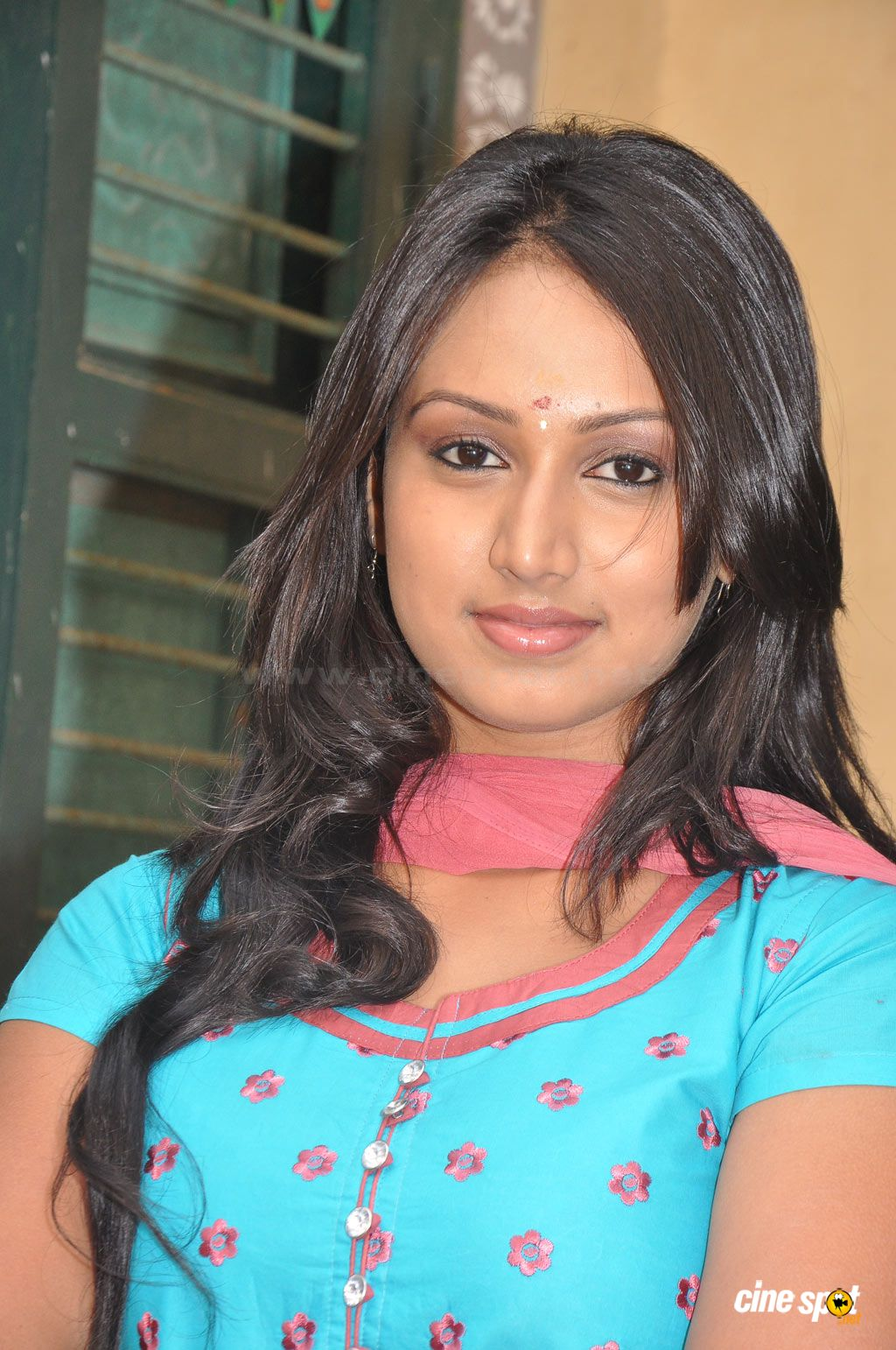 Related Pictures actress hi stills high quality stills film star ...