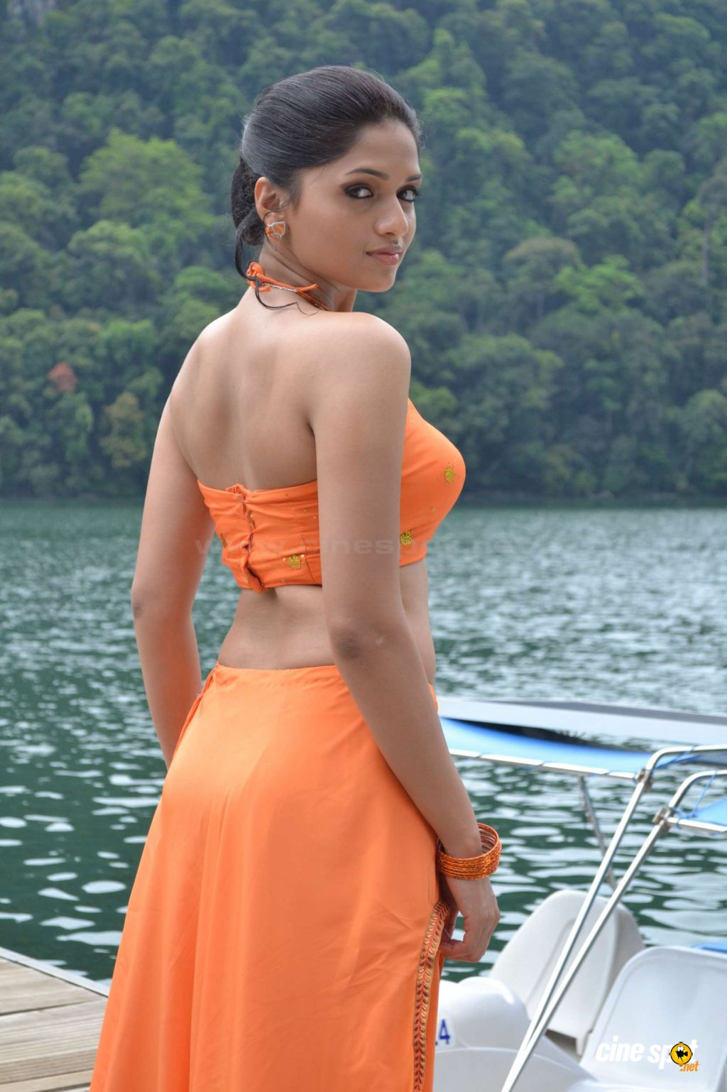 http://www.cinespot.net/gallery/d/964285-1/Sunaina+Hot+Gallery+_1_.jpg