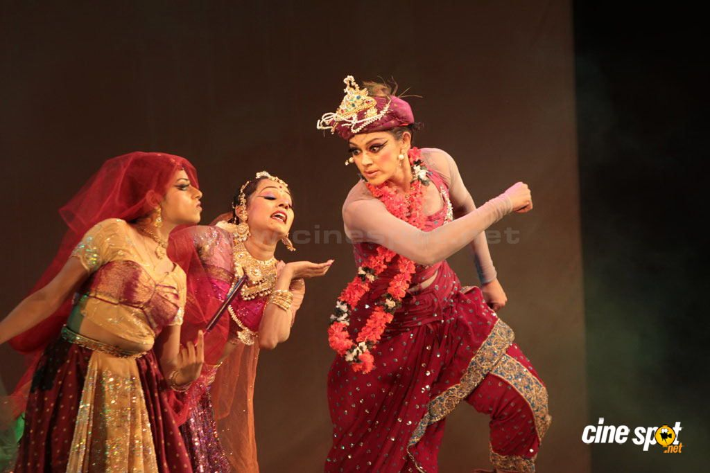 shobana at krishna dance drama 24
