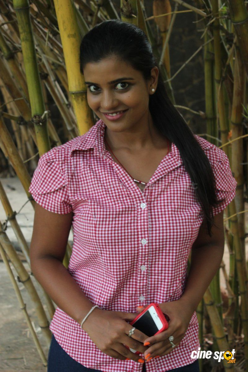 aishwarya tv serial actress photos (1)