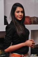 Kritika Singhal at Dil Diwana Team Visit Shoe Studio Madrasi (26)