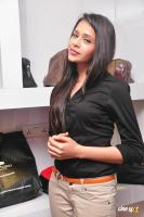 Kritika Singhal at Dil Diwana Team Visit Shoe Studio Madrasi (27)