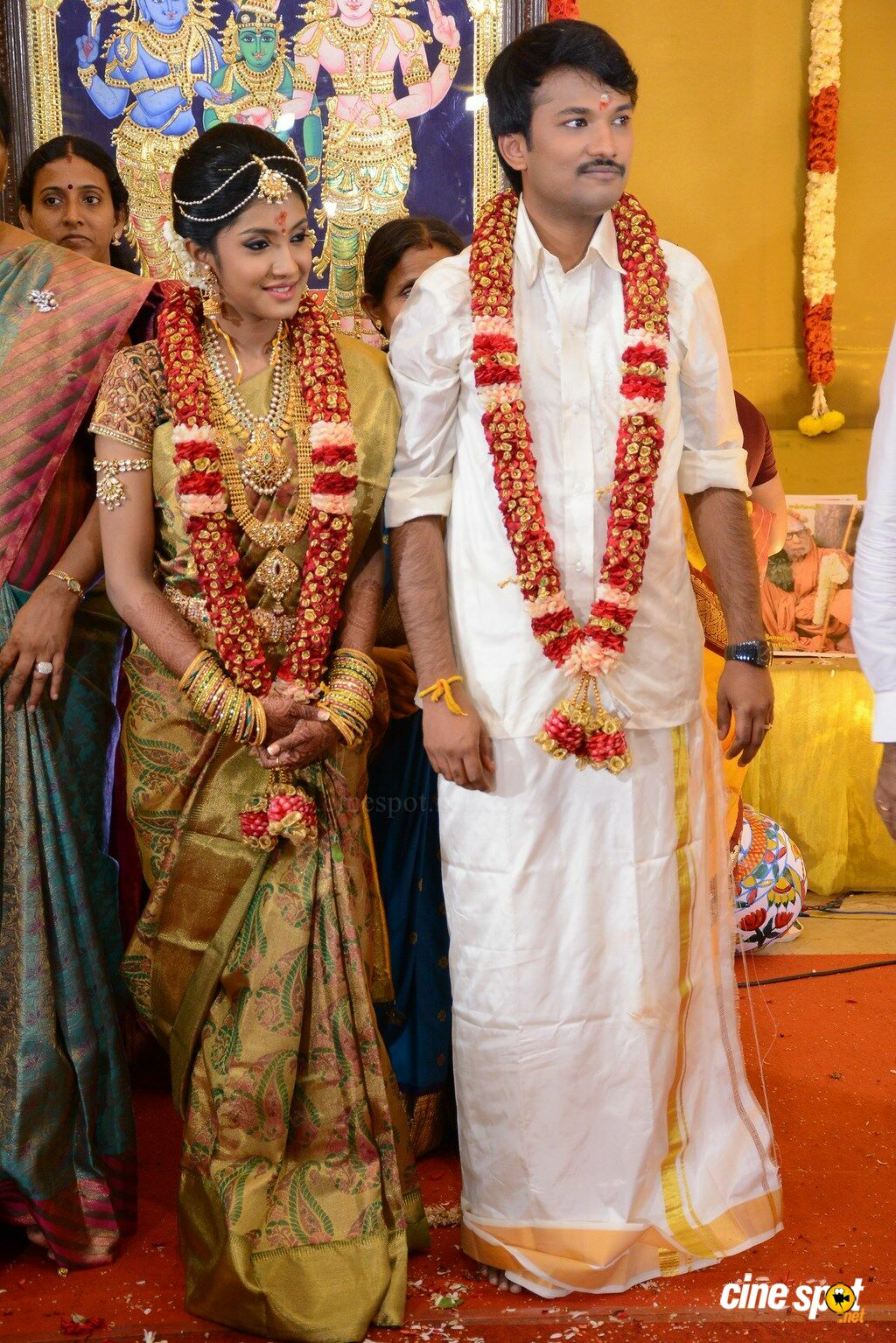 Raj TV Family Marriage Photos (27)