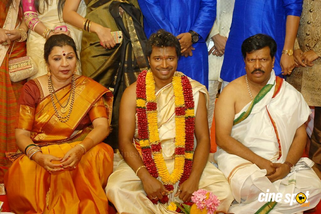 T S Nagabharana Son Pannaga Wedding Photos (9)