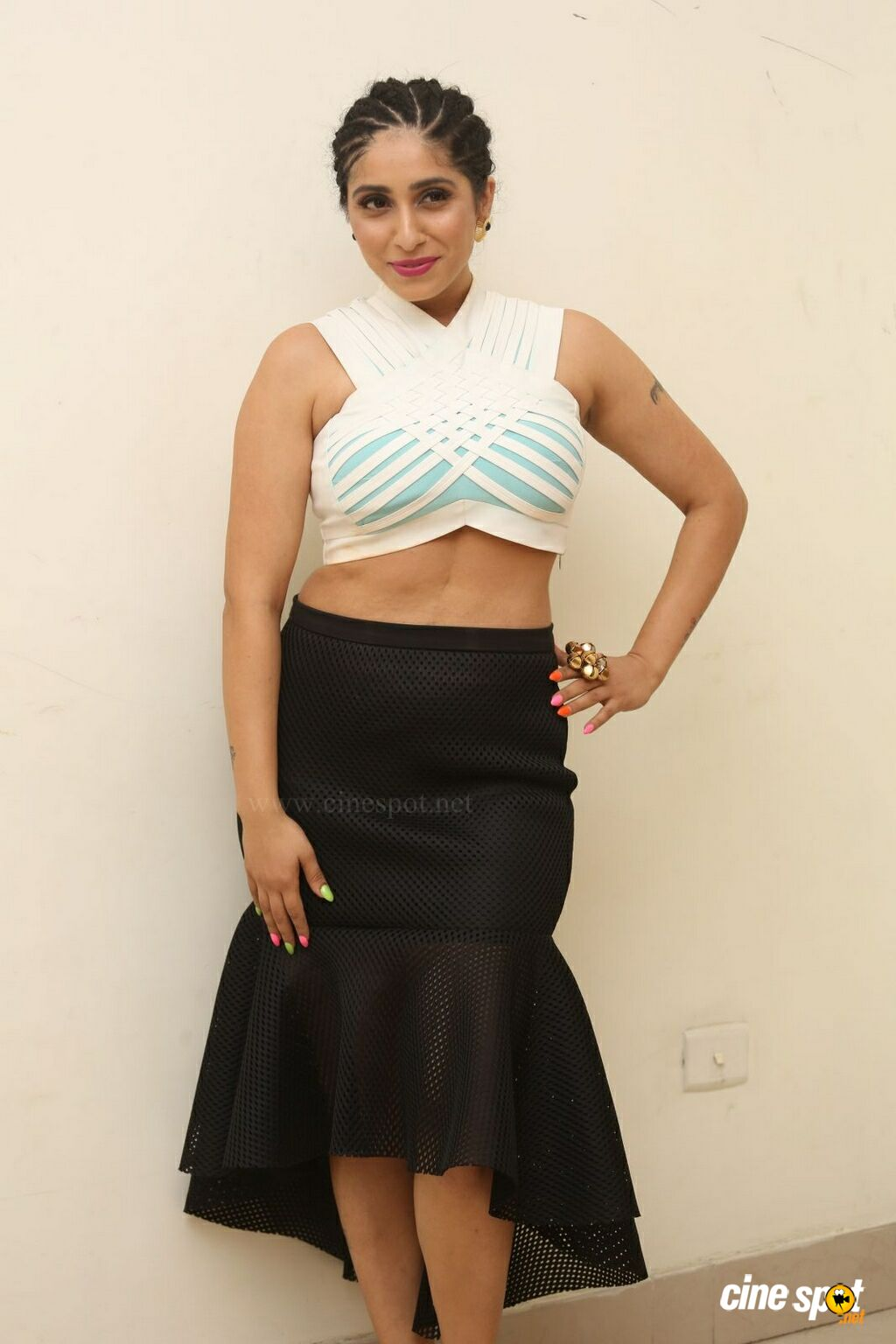 Neha Bhasin New Stills (3)