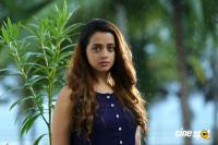 Vilakkumaram Latest Photos (17)
