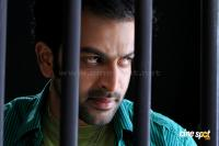 prithviraj in pokkiri raja photos stills
