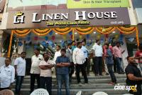 Nabha Natesh Inaugurated Linen House At Nizampet (7)
